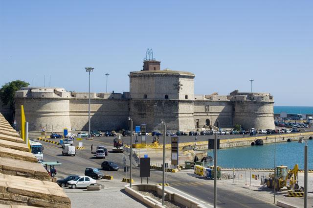 Bon Lundi Civitavecchia-porto